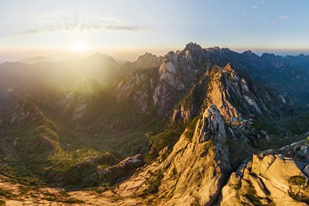 Huangshan mountains, China. Teaser