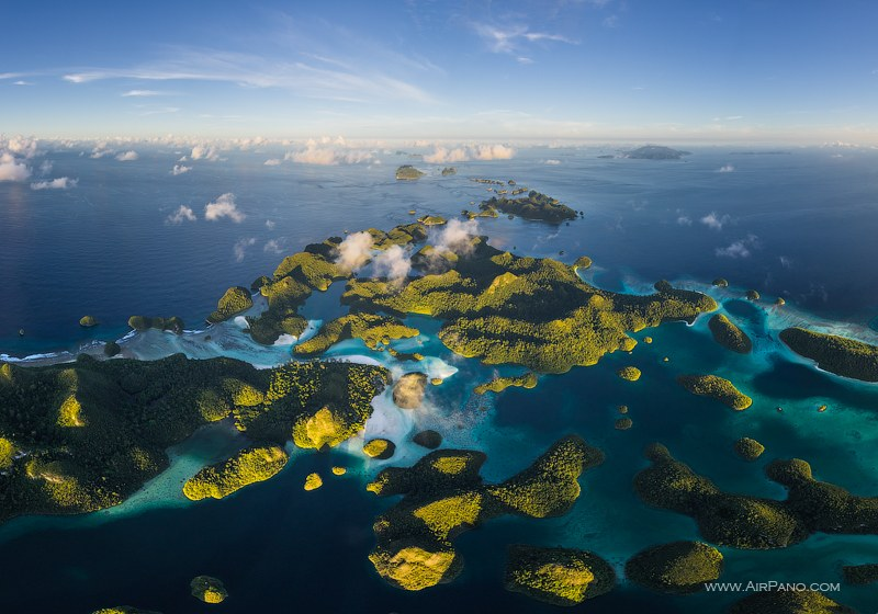 Wayag islands from the altitude 1000 meters
