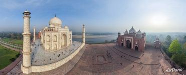 Taj Mahal. Mausoleum and mosque
