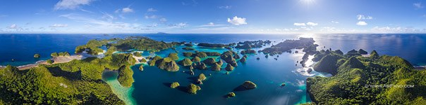 Wayag islands, Raja Ampat, ultra high resolution panorama (30558x7592 px)