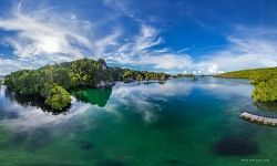 Rocks of the Raja Ampat archipelago #1