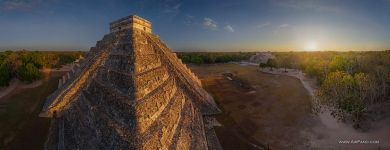 Mexico, Chichen Itza, El Castillo, or Temple of Kukulcan