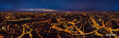 Panorama of Porto at night