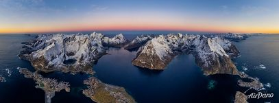 Bird's eye view of Reine