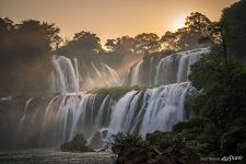 Sunset rays over Detian Falls