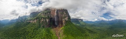 Panorama of Angel Falls in ultrahigh resolution (35000x10225 px)