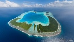 High above Tetiaroa, the royal island of Polynesia