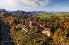 Germany, Hohenschwangau Castle, autumn colors