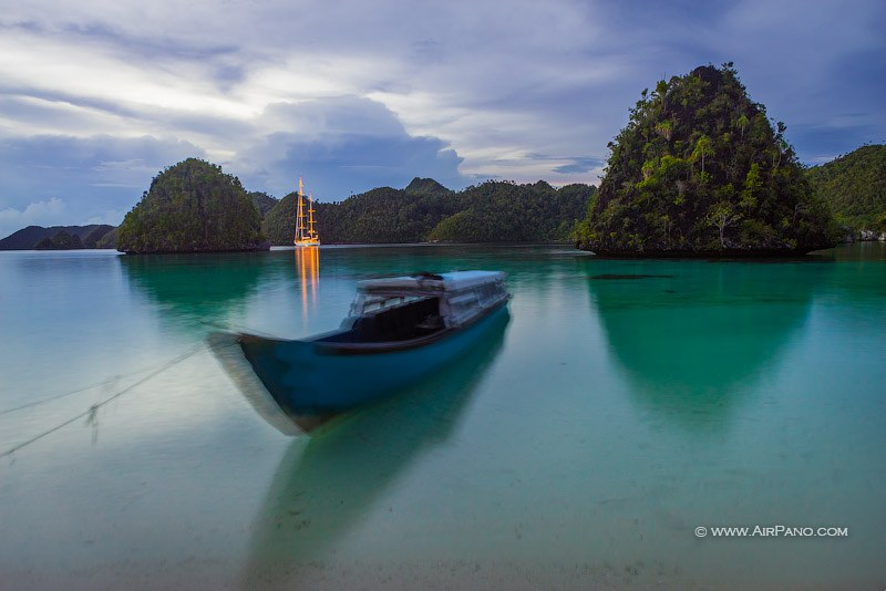 Dusk at Wayag islands