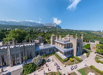 Vorontsov Palace at the base of the Ai-Petri mountain