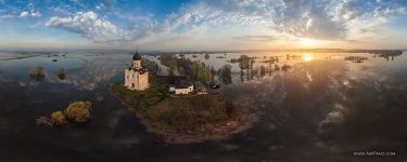 The Church of the Intercession of the Holy Virgin. River Nerl flood
