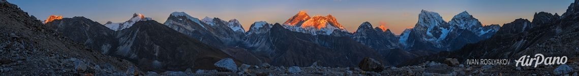 Sunset over Everest from the Renjo-La