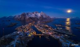 Lofotens at night