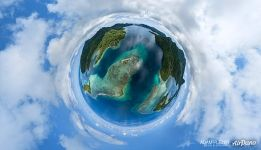 Planet of Huahine, Maro'e Bay