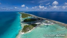 Rangiroa. The largest atoll in the Tuamotus. Reef island