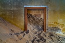 Anfilade of sand-filled rooms