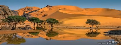 Water in the Sahara Desert. Panorama